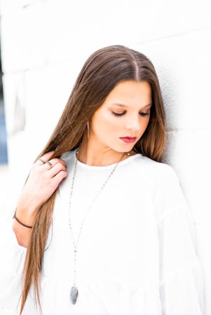 Portrait photography, senior photos, summer style, long brown hair, long srtaight hair, minimalist photography, white wall, bright photo, airy photo, hippie style, bold style, minimalist style, birmingham photographer